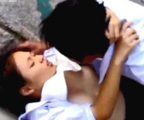 Thai public sex แอบถ่ายนักเรียนซุ่มเย็ดกันที่หาดแถวศรีราชา