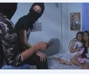 Thai erotic วายร้ายปล้นรัก ปลอมตัวเป็นโจรเย็ดหญิง ตอนที่1