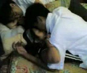 Thai school ปวช.รุมเย็ดเพื่อน อีกคนนอนเมาหลับอยู่ข้างๆ