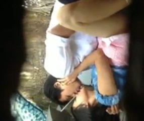 Thai student แอบถ่ายเพื่อนปวช.กางร่มเย็ดแฟนสาวขาวผ่อง