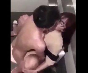 pron xxx หลุดครูผู้หญิงแอบมีsexกับนักเรียนชายในห้องน้ำ