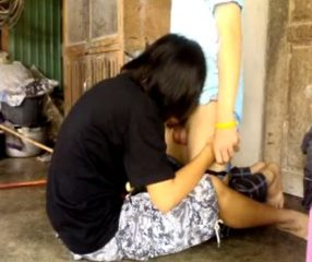 คลิบโป้วัยรุ่นไทยเอากันหลังบ้าน ใส่ถุงก่อนสิเดี๋ยวเค้าท้อง