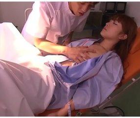 หมอหื่นแอบวางยาคนไข้สาว บังคับมีsexจนสลบคาเตียง