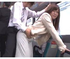 รถเมล์สายxxx สำหรับสาวขี้เหงา ขึ้นแล้วโดนเย็ดฟรี