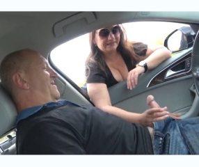 ขับรถพาคุณพ่อไปตีกะหรี่ริมทาง จอดรถยืนเย็ดเด็ดจริง