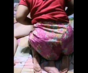 Thaixxx คลิปเย็ดคาผ้าถุงไทย สาวขึ้นคร่อมผัวอย่างเด็ด