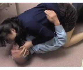 สาวใหญ่ข่มขืนคนแก่ในห้องเช่า ปิดปากไม่ให้ฟ้องผัวเรื่องชู้