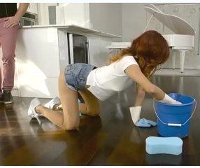 18+ผัวแอบกินตับแม่บ้านตอนจ้างมาทำความสะอาดคอนโด