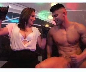 Sex party ปาร์ตี้เซ็กส์18+ หนุ่มสาวสวิงกิ้งเซ็กซ์หมู่กลางผับ