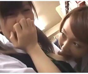 JAVสาวมัธยมโดนผู้หญิงแปลกหน้าลวนลามในห้องสมุด