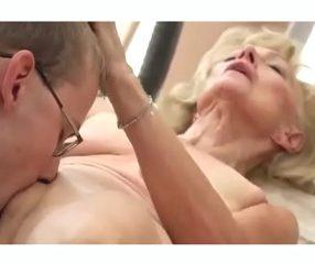 หนังxสาวแก่ ยายวัย70เอากับหนุ่มรุ่นหลานโคตรฟิน