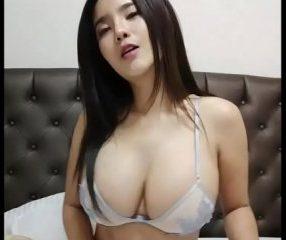 sioa69 สาวไทยน่ารักนมใหญ่ไลฟ์สดหาคนเข้ากลุ่มลับ