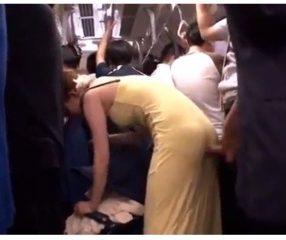 คลิปX หนุ่มหื่นเอาดุ้นกระทุ้งก้นสาวบนรถเมล์สายxxx