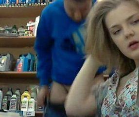 คลิปหลุดแคชเชียร์สาวอมควยผู้จัดการในร้านอะไหล่รถยนต์