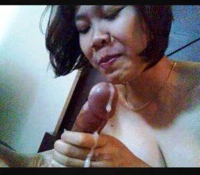 oral sex คลิปสาวIndoโมกควยผัวจนแตกคาปาก