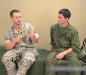 2ชายทหารกล้าเย็ดกันในค่ายฝึก เปิดซิงตูดเพื่อนอย่างเสียว