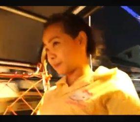 clipสาวไทยน่ารักนั่งตุ๊กตุ๊กโดนนักท่องเที่ยวพาเข้าโรงแรม